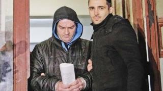 Poliţistul acuzat că a agresat sexual doi copii, prezentat instanţei cu propunerea de arestare preventivă