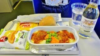 Ce să mănânci atunci când zbori cu avionul