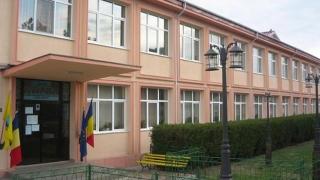 Ce se întâmplă la Școala din Hârșova?!