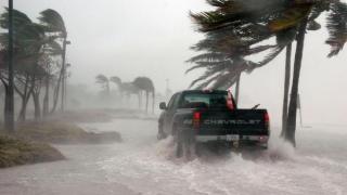Cetățeni români, de negăsit după ce uraganul Irma a lovit Caraibele