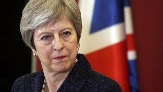 Și dă-i, și luptă! Theresa May cere renegocierea Brexitul-ului şi organizarea unui nou referendum