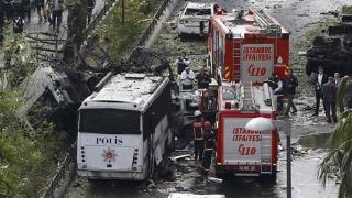 Explozie în parcarea Camerei de Comerţ din Antalya