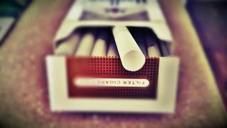 Un viciu arzător - legea antifumat scumpește țigările!