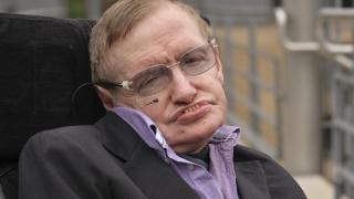 Femeie arestată pentru că ar fi atentat la viața lui Stephen Hawking