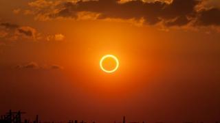 """Fenomen spectaculos: un """"inel de foc"""" va fi vizibil duminică pe cer! Vezi unde!"""