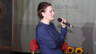 Flori de câmp și lecții de viață și teatru de la Maia Morgenstern