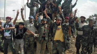 Forţele militare libiene au redobândit controlul asupra unor oraşe ocupate de SI