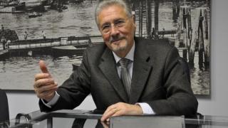 Fostul președinte Emil Constantinescu, ţinta unui lunetist tocmit să-l asasineze!