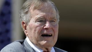 Fostul preşedinte republican George H.W. Bush va vota cu democrata Hillary Clinton