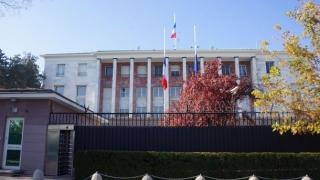 Franța închide misiunile diplomatice din Turcia