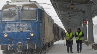 CFR Călători: Pe secţia Bucureşti-Constanţa se va circula cu locomotive Diesel