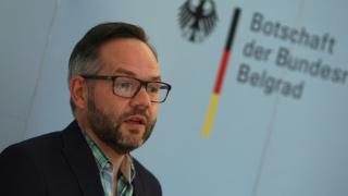 Germania, gata să ofere azil politic persoanelor persecutate în Turcia
