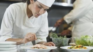 Germania recrutează bucătari și barmani. Când are loc selecția?