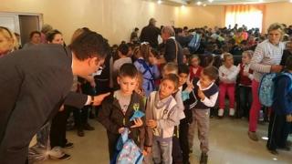 Ghiozdane și rechizite gratuite pentru mii de elevi din județul Constanța!