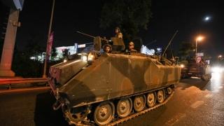 Grecia respinge extrădarea a trei militari turci fugiți după puci