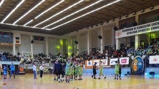 "Succes total la ""Charity Basketball Game"""
