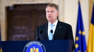 Klaus Iohannis cheamă partidele la consultări, după avizul Comisiei de la Veneţia