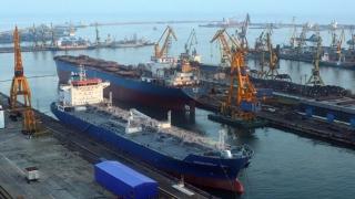 Chirii derizorii, pierderi imense în Port! FP atacă Legea porturilor!