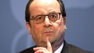 Hollande renunţă la modificarea Constituţiei, după atentatele de la Paris
