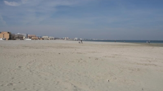 De la anul, plajele se dau... cu dedicaţie?