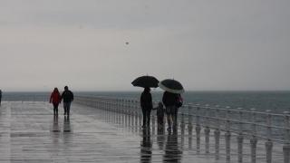 Iar se răcește! De la 19 la 12 grade C, la malul Mării Negre!