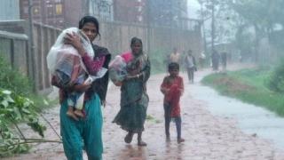 Cel puțin 24 de morți din cauza ciclonului Roanu