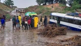 Ciclonul Idai: peste 150 de morţi care nu pot fi îngropaţi!