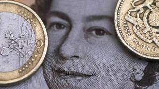 În 2018, euro va ajunge la paritate cu lira sterlină?