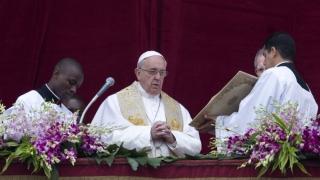În Anul Milostivirii, Papa Francisc a pledat de Paşte pentru ajutorarea imigranţilor din Europa