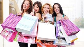 Încep reducerile! Cum recunoști un dependent de cumpărături?