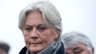 Soția candidatului conservator la președinția Franței, inculpată