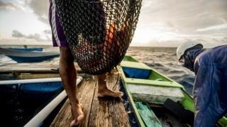 Indonezia detonează navele de pescuit ilegal