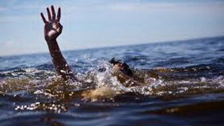 Scenă dramatică! Două persoane în pericol de înec la Neptun!