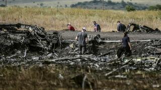 Cine e totuşi de vină pentru tragedia zborului MH17? Ruşii spun că ucrainenii