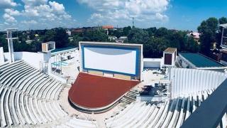 Cine redeschide Teatrul de Vară de la Costinești. Era în ruină...