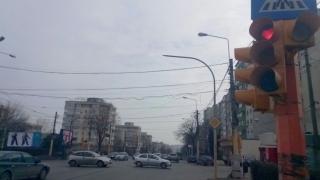Surpriză inedită pe bulevardul Tomis! Semafoarele s-au îndrăgostit!