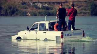 Piața auto scade, Dacia crește