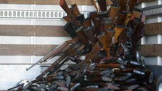În SUA este normal să ai 47 de arme!