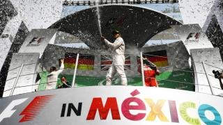 Învingător în Marele Premiu al Mexicului, Lewis Hamilton încă mai speră la titlul mondial
