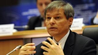 Cioloş i-a cerut lui Vasile Dîncu să coordoneze culegerea informaţiilor privind inundaţile