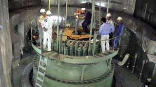 Iranul fabrică nave cu propulsie nucleară, ca reacţie la ameninţările lui Trump