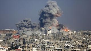 Cel puțin 50 de civili și-au pierdut viața, în bombardamentele din Siria