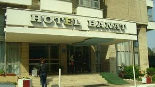 Opt hoteluri celebre de pe litoral, rămase fără certificate de clasificare