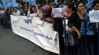 Legea salarizării unitare îi scoate din țâțâni pe funcţionarii publici!