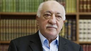 Peste 800 de persoane, arestate în Turcia pentru presupuse legături cu clericul musulman Gulen