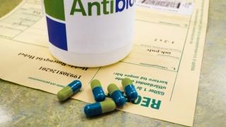 Licitație deschisă pentru antibiotice!