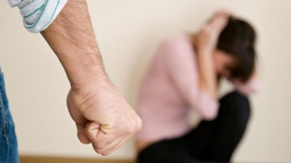 Linie telefonică gratuită pentru victimele violenței în familie!