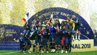 """Fotbaliştii francezi, campioni mondiali în Rusia, vor fi decoraţi cu """"Legiunea de Onoare"""""""