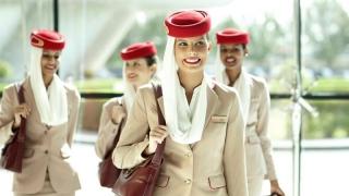 Mai multe companii aeriene caută stewardese în România