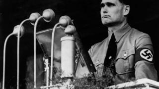 Marș neonazist în memoria lui Rudolf Hess - autorităţile încearcă să-l oprească